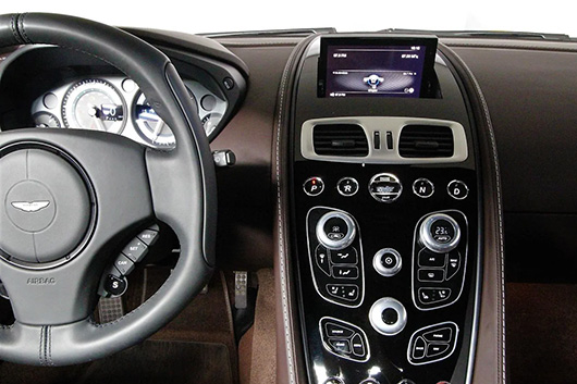 Сделать ключ для автомобиля Aston Martin с чипом